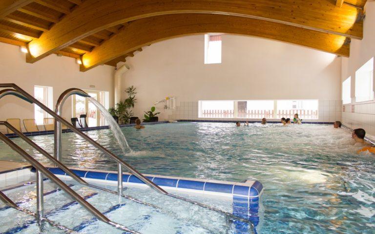 Bazénový komplex v Karlově Studánce